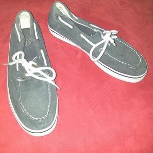 Mens St John's Bay gray boat shoes